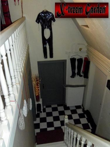 BDSM studio07