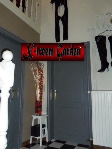 BDSM studio09